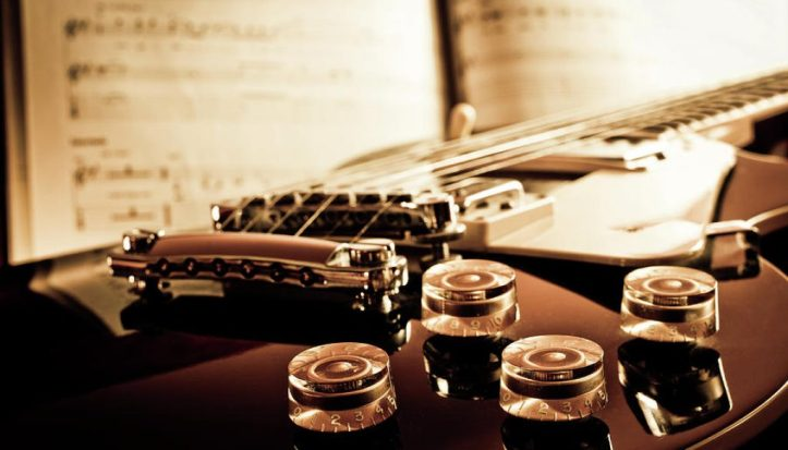 23classic-guitar-still-life-with-notes-a-driempixel-photo-1024x585