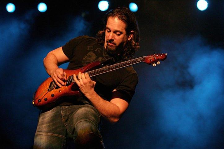 Dream-Theater-John-Petrucci[35951]